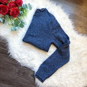 HOLLISTER KNIT SOFT CREWNECK SWEATER